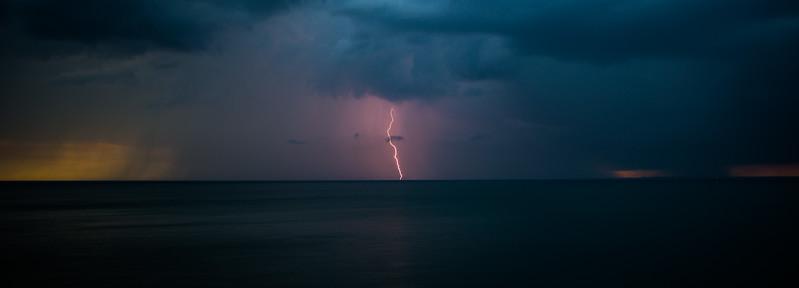 Sunsets and lightnig storms-3.jpg