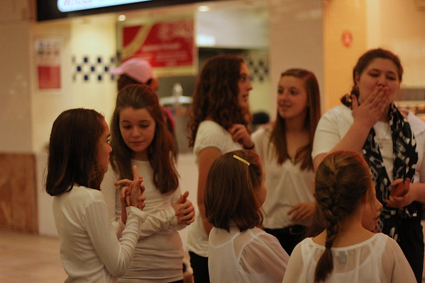 Caroling at Chesterfield Mall