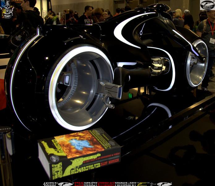 comic con gold 45 revolver the legend of the gold 45 revolver 387.,..jpg