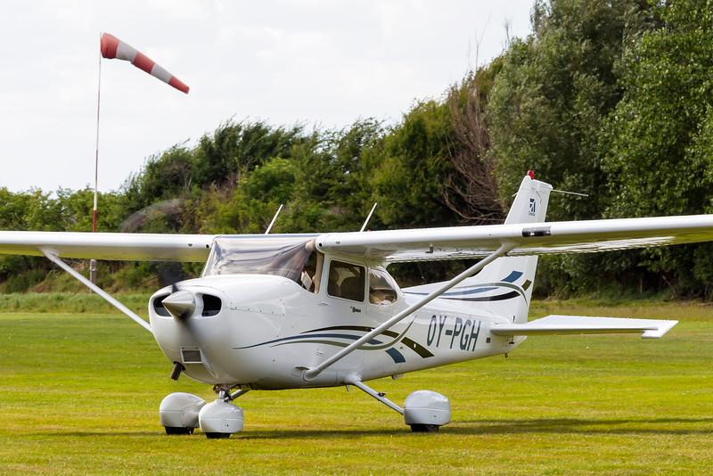 OY-PGH-Cessna172SSkyhawkSP-Private-EKEL-2013-07-30-_MG_2118-DanishAviationPhoto.jpg