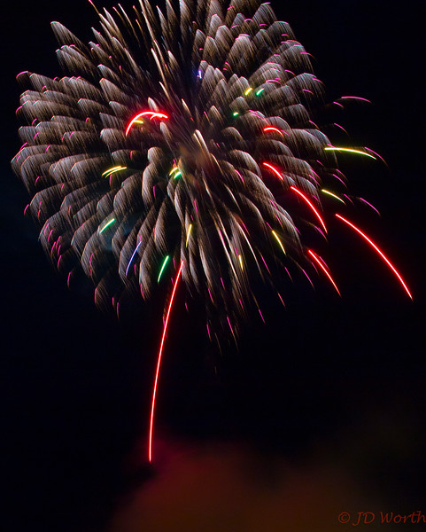 070417 Luray VA Downtown Fireworks - Multicolor Puff Tree-0951.jpg