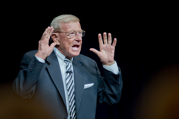 2017 DR. LOU HOLTZ EMERITUS TRUSTEE OF TRINE UNIVERSITY