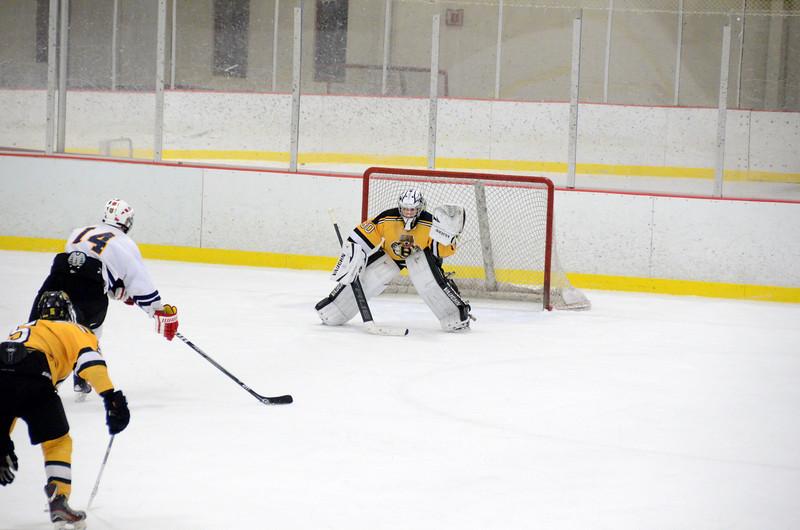 141004 Jr. Bruins vs. Boston Bulldogs-233.JPG