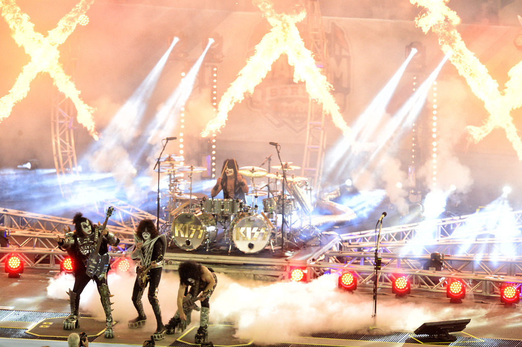 . Kiss performs during the 2014 NHL Stadium Series featuring the Los Angeles Kings taking on the Anaheim Ducks at Dodger Stadium January 25, 2014. (Photo by Hans Gutknecht/Los Angeles Daily News)