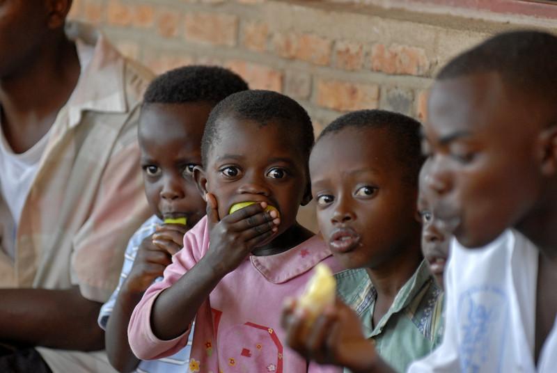 070108 3766 Burundi - Bujumbura - Peace Village _G _L ~E ~L.JPG
