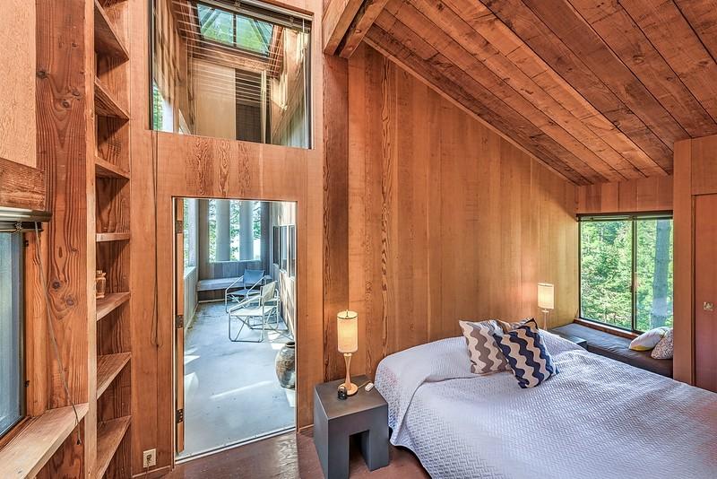 Guest Loft Bedroom