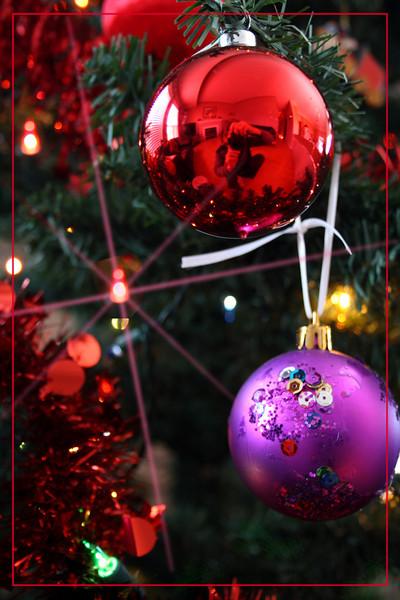 decorations1_border.jpg