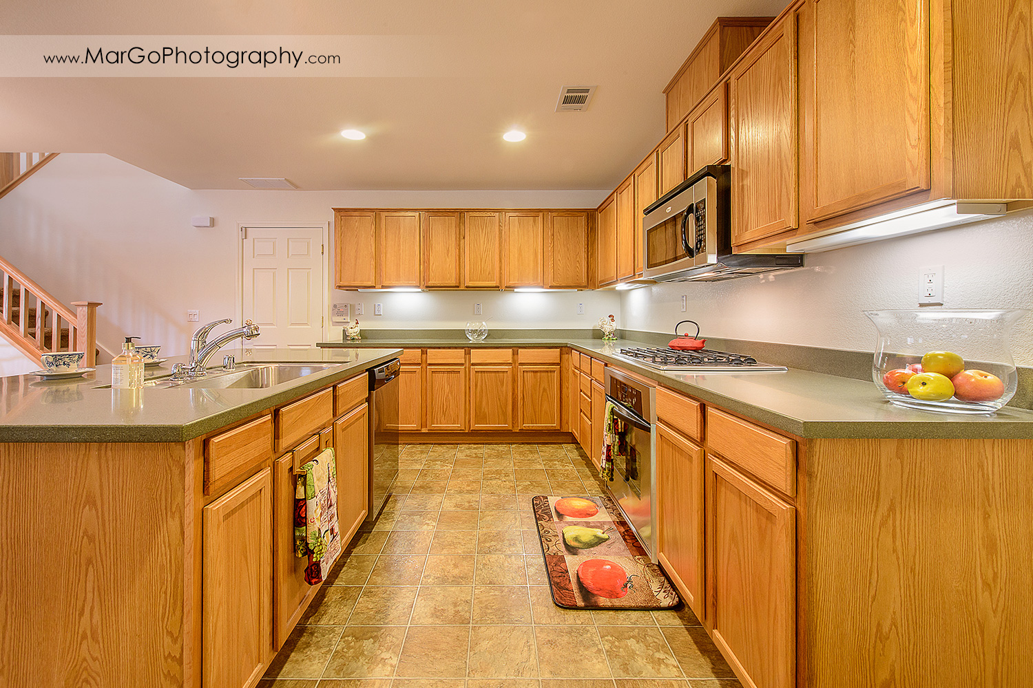 Pittsburd house kitchen with wooden cabinets - real estate photography