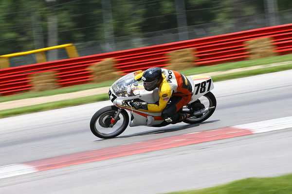 2017 Vintage Road Racing At AMA Vintage Motorcycle Days