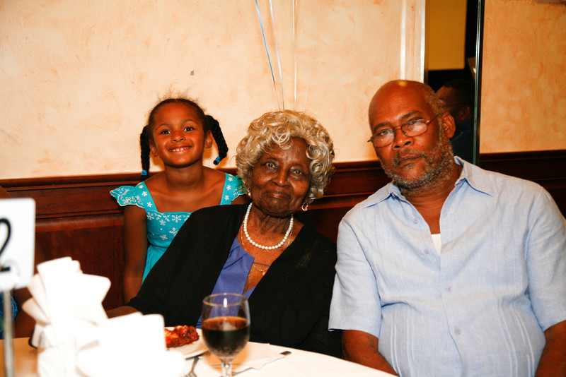 Edouard Family Reunion-3549.jpg