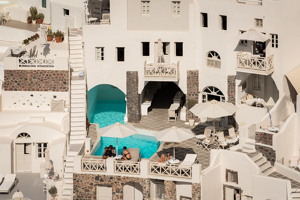 Lifestyles, Santorini