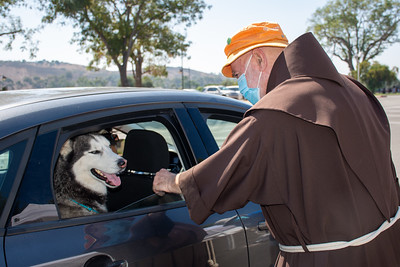 10-03-2020 San Francis Blessing of he animals group 4