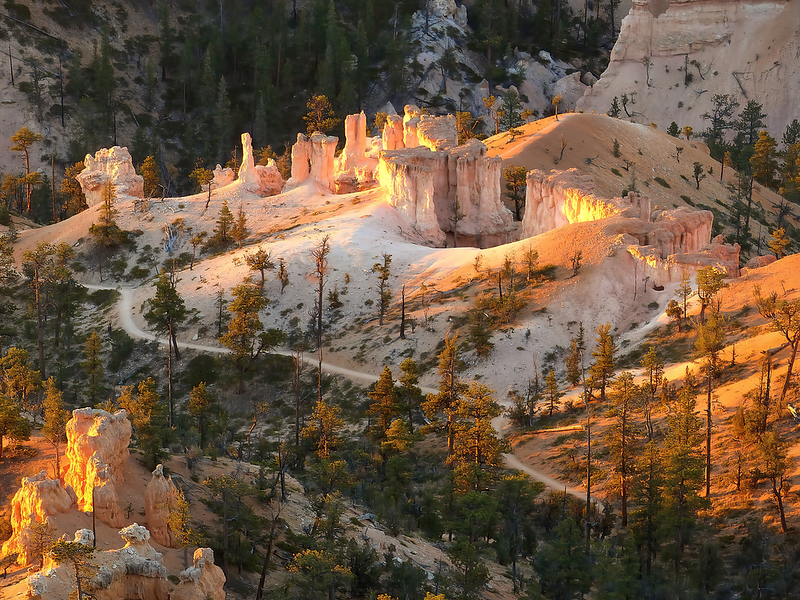 Sunrise at Grand Staircase, Bryce Canyon National Park_output - Copy.png