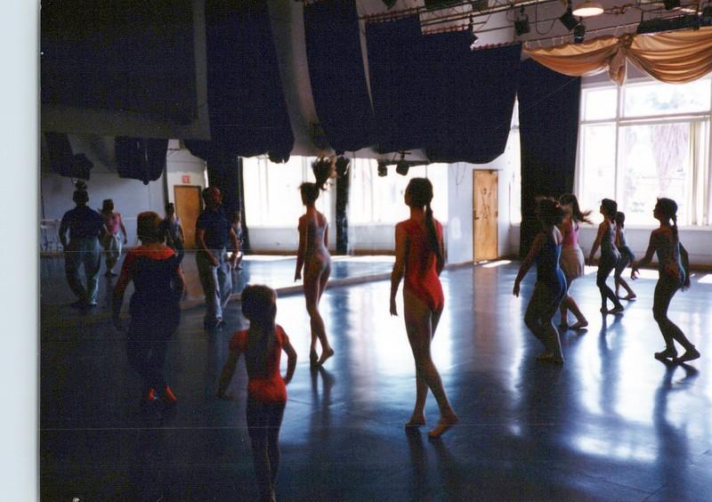 Dance_2061_a.jpg