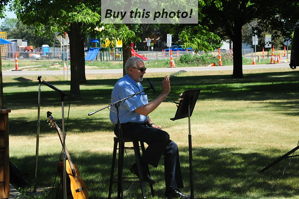 Trinity-WLJ Lutheran park worship 06-13