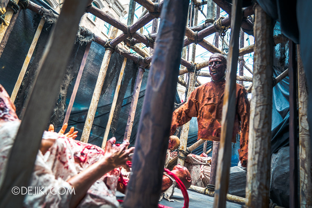 Halloween Horror Nights 7 Before Dark 2 Preview Update / Pilgrimage of Sin scare zone - graphic scenes hanging bodies seen in the day
