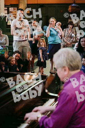 © Bach to Baby 2018_Alejandro Tamagno_Chiswick_2018-04-20 043.jpg