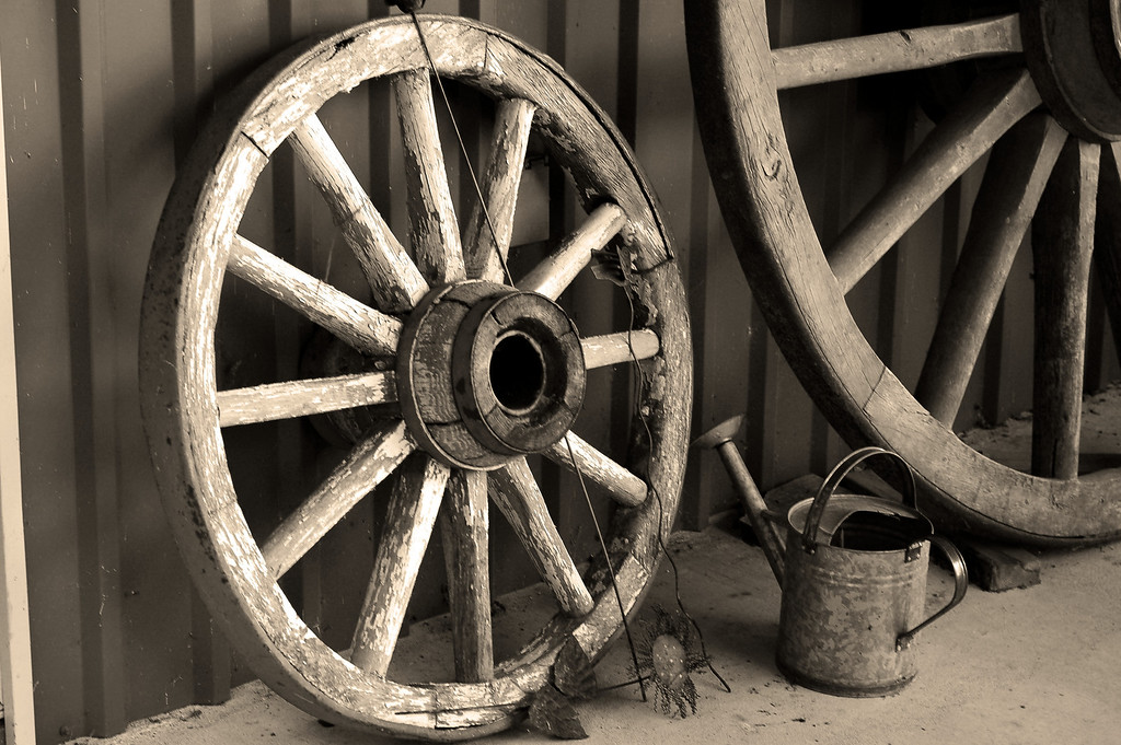 old wagon wheel 02