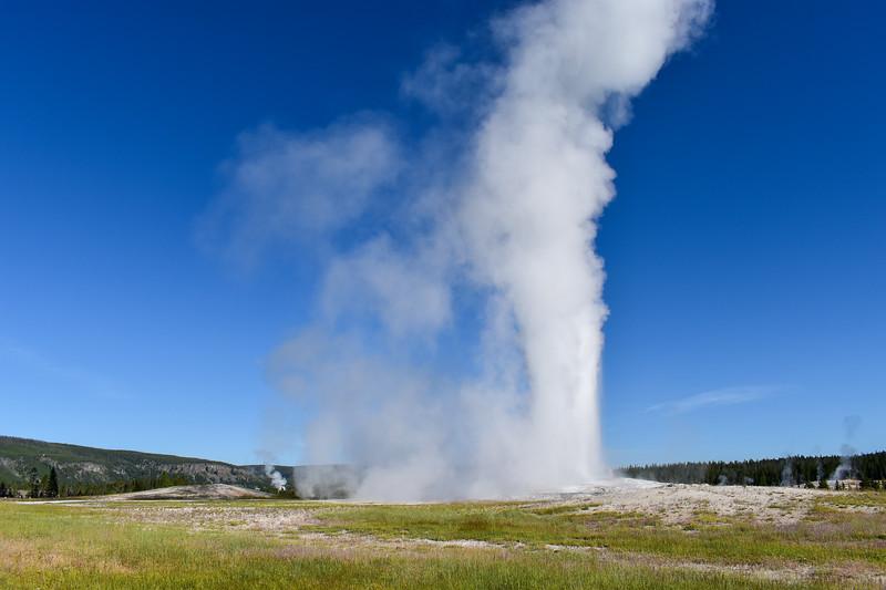 Yellowstone National Park - Old Faithful & Upper Geyser Basin (7-18-20)