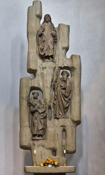 Würzburg. Dom: Apostelaltar (1967) mit Christus, Petrus, Andreas (Riemenschneiderwerkstatt, um 1500)