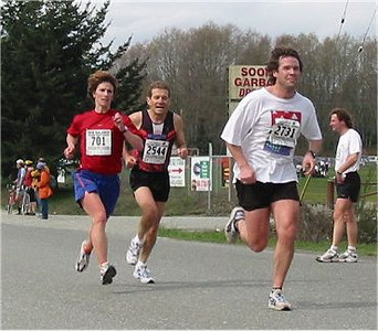 2003 Sooke River 10K - Former Harriers race director Clint Lien