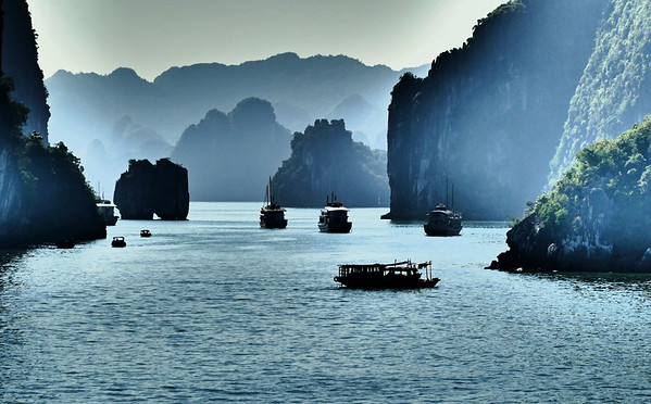 Trip, Gallery #14 - Vietnam/Cambodia, 11-2016  (Ha Long Bay, continued; drive back to Hanoi;  Chi Linh Star Golf & Country Club, evening in Hanoi; The Hanoi Ceramic Mosaic Mural; sunrise at Seoul Airport)