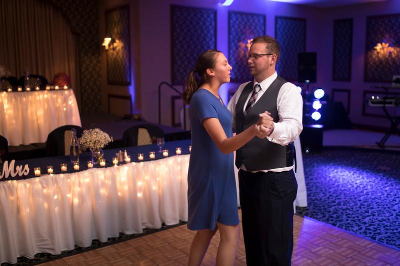 Amanda & Tyler Wedding 0863.jpg