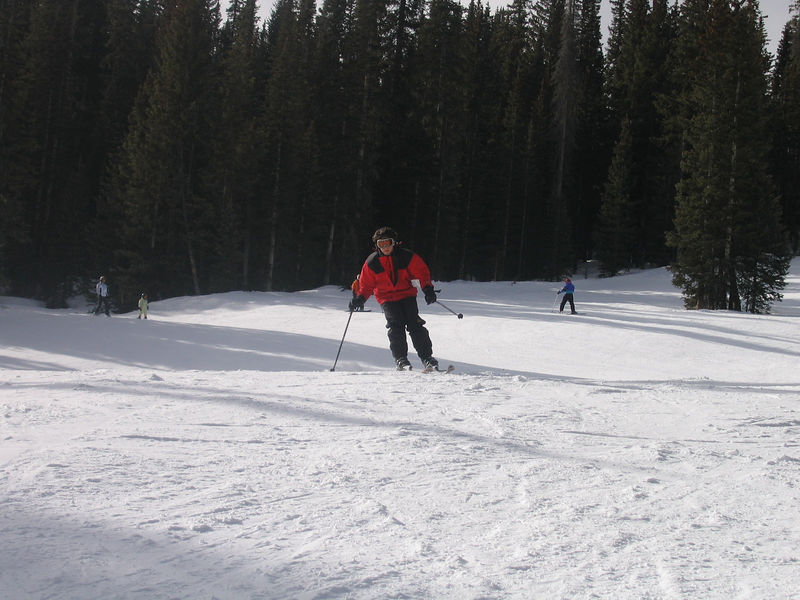 Jeff zipping down the slope.