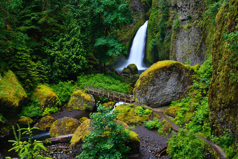 Wahclella Falls, Oregon Wahclella瀑布,俄勒岡州 Please visit: http://www.youtube.com/user/photosbychunming?feature=mhum  for my video journey.