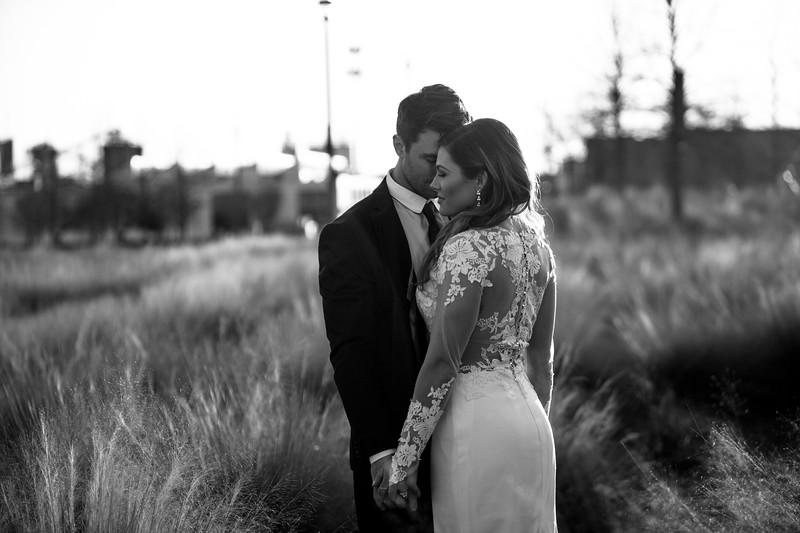 Kate&Josh_B&W_ZACH.WATHEN.PHOTOGRAPHER-440.jpg