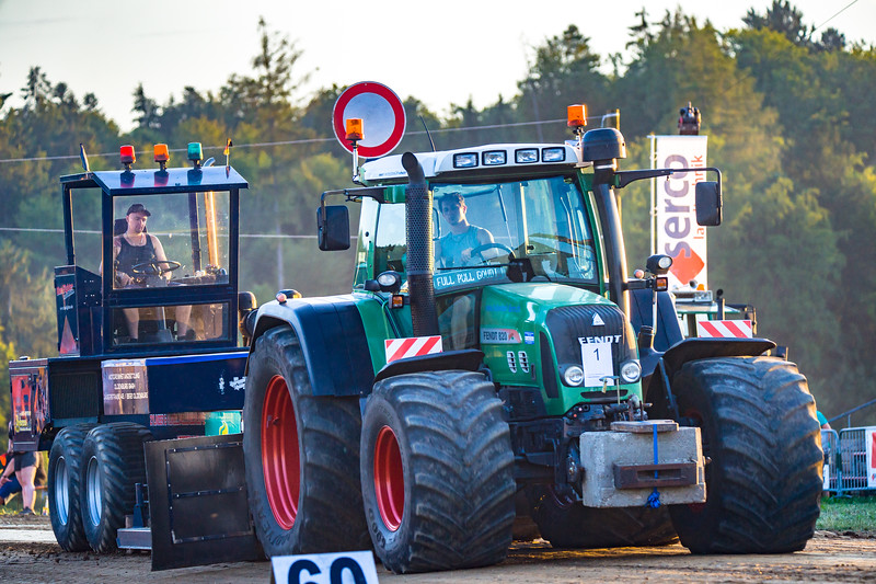 Tractor Pulling 2015-01674.jpg