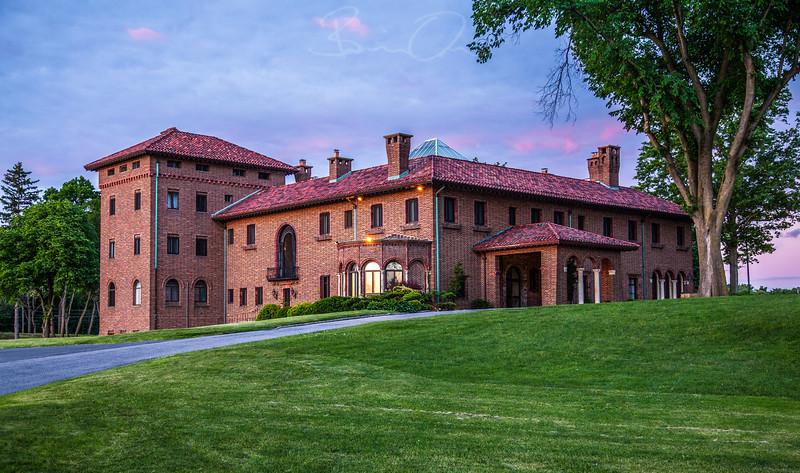 Village Club - Mansion
