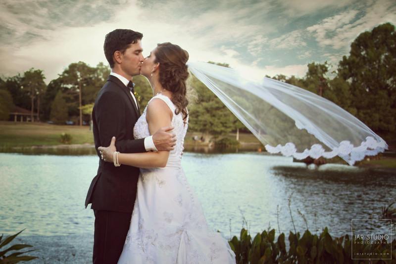 26-bride-groom-beautiful-winter-park-sunset-jarstudio-photography.JPG