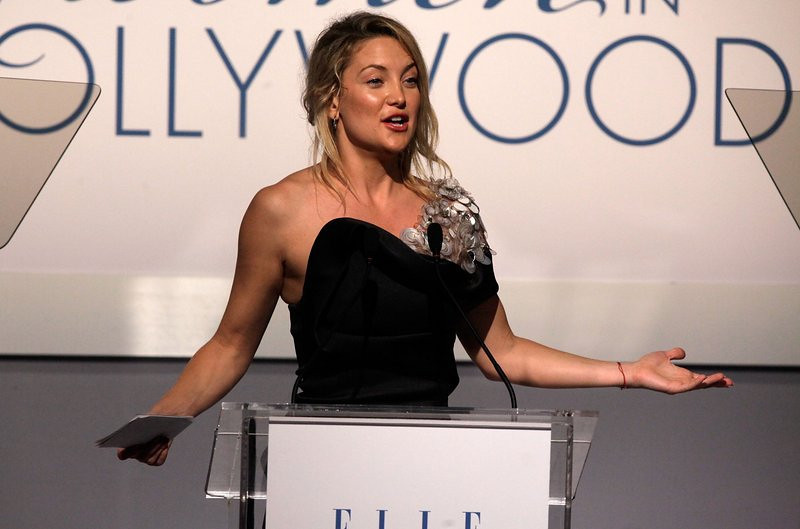 ". <p>10. (tie) KATE HUDSON <p>Can�t afford designer fashions, because none of you shelled out good money to watch �Bride Wars.� (previous ranking: unranked) <p><b><a href=\'http://abcnews.go.com/blogs/entertainment/2013/11/kate-hudson-on-designer-duds-i-cant-afford-to-buy-that-stuff/\' target=""_blank\""> HUH?</a></b> <p>     (Todd Williamson/Getty Images For Elle Magazine)"