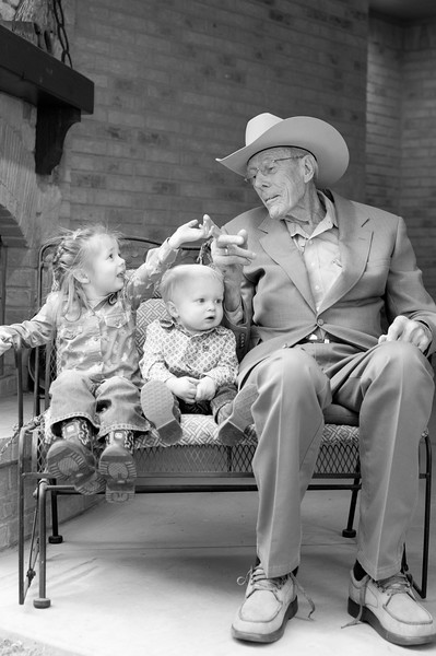Brown Family Portraits-128-3.jpg