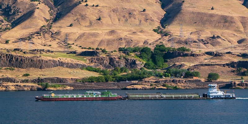 Columbia River, OR Tidewater Barges