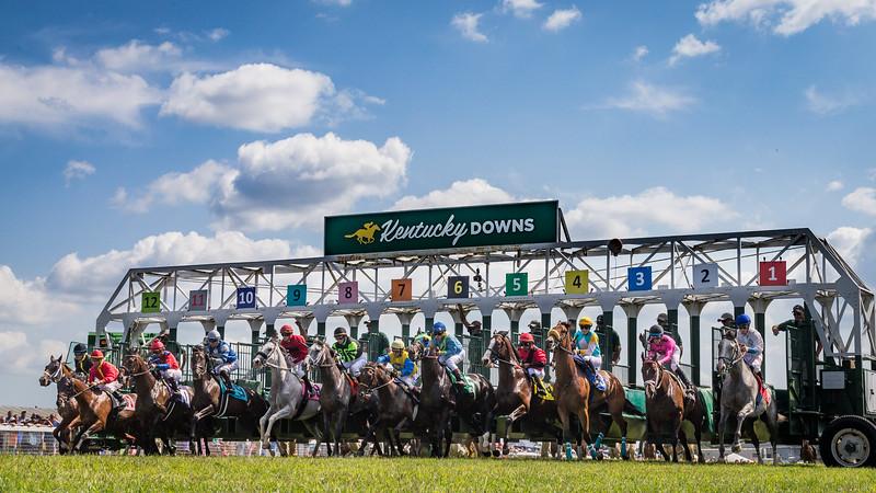 Start of Race 3 at Kentucky Downs 9.09.17.