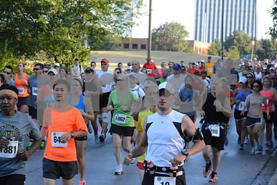 Oak Brook Half Marathon - Start Line