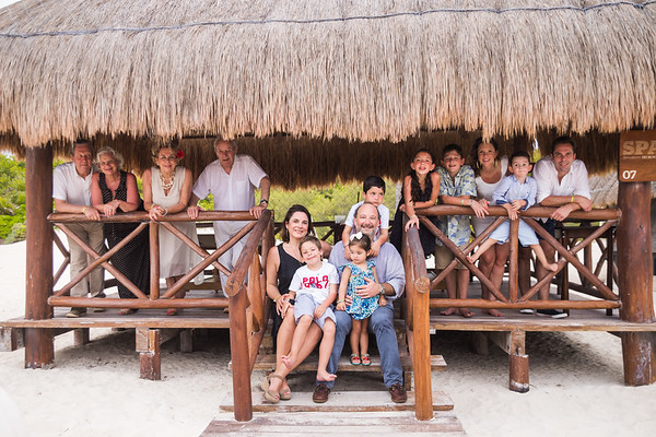 B303844P2 MAKAY IBEROLINDO 64PHOTOS DELUXE ROLANDO GV NEXT DAY