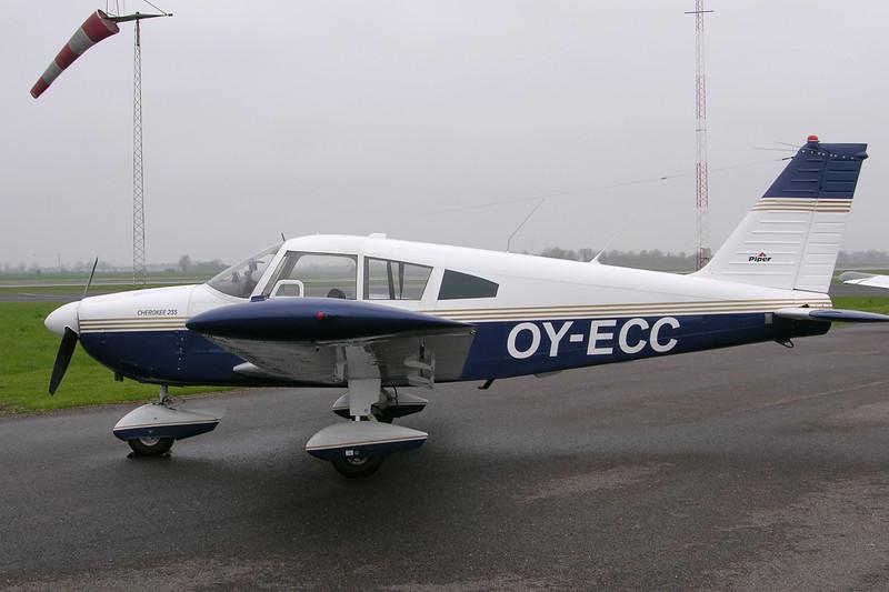 OY-ECC-PiperPA-28-235Cherokee-Private-EKOD-2005-05-01-DSCN0902-KBVPCollection.JPG