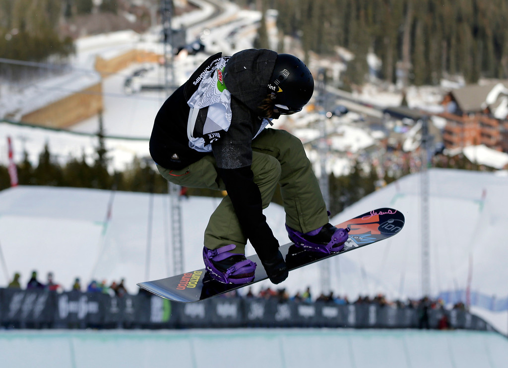 . Kelly Clark competes during the women\'s snowboarding superpipe final at the Dew Tour iON Mountain Championships, Saturday, Dec. 14, 2013, in Breckenridge, Colo. Clark took second place in the event. (AP Photo/Julie Jacobson)