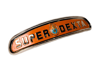 FORDSON SUPER DEXTA BADGE BAR 960E8213A
