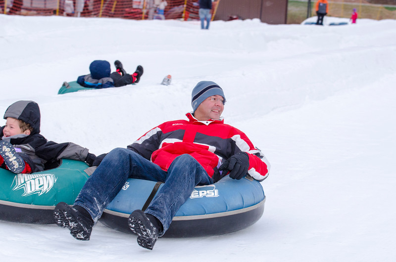 Opening-Day-Tubing-2014_Snow-Trails-70976.jpg