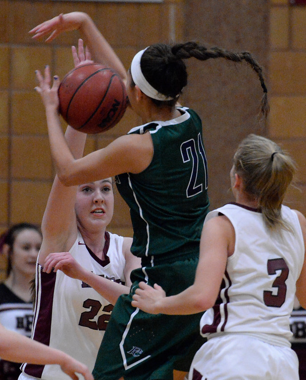 . THORNTON, CO - MARCH 01: Horizon Samantha Deem (22) knocks the ball away from Pine Creek Jade Odom (21) during the third quarter in the Girls Class 5A Sweet 16 game March 1, 2016 at Horizon HS. (Photo By John Leyba/The Denver Post)