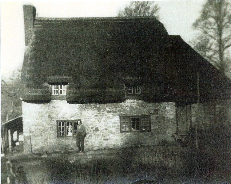 Cyril Appleford`s cottage showing pump house to the right side.The water was pumped from the stream to the farm and the cottages at Folly 1940`s
