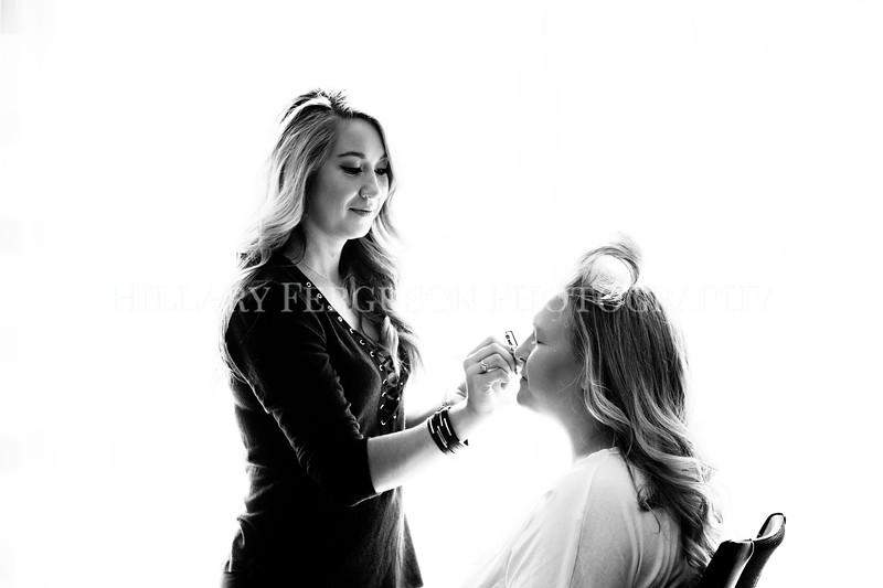 Hillary_Ferguson_Photography_Melinda+Derek_Getting_Ready081.jpg