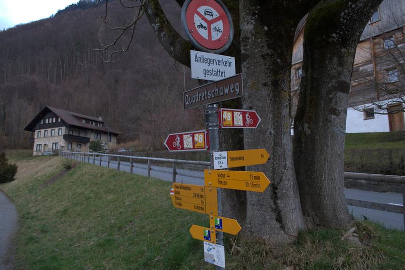 Liechtenstein trail marker.jpg