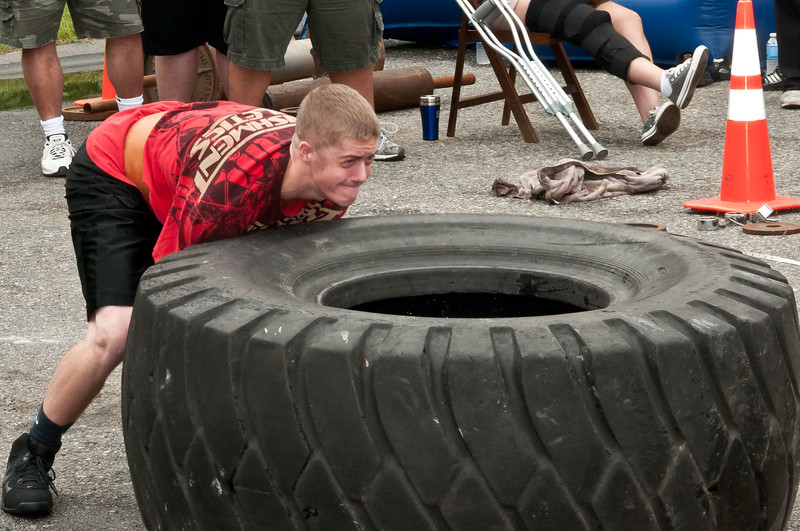 Fitness Revolution Strongman Challenge 2011_ERF4043.jpg