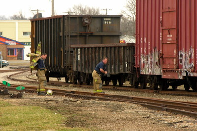 03-04-12 Coshocton FD Boxcar Fire