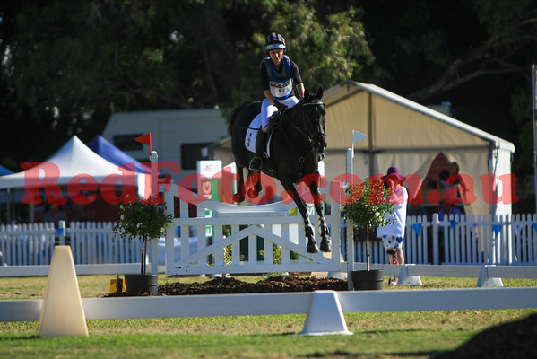 2016 12 10 Eventing in the Park Grand Prix 13 Bettina Hoy Parkiarrup Peregrine